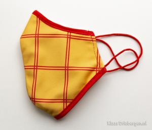 Mondkapje geel-rood geruit